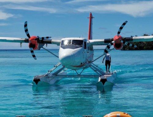 搭快艇還是水上飛機?